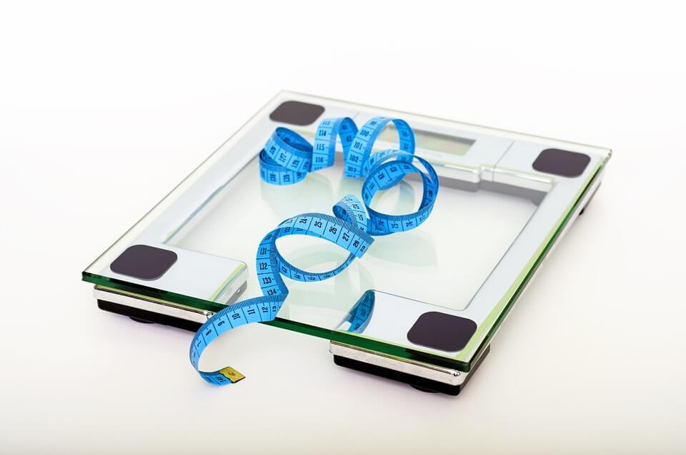 как взвешиваться на электронных весах