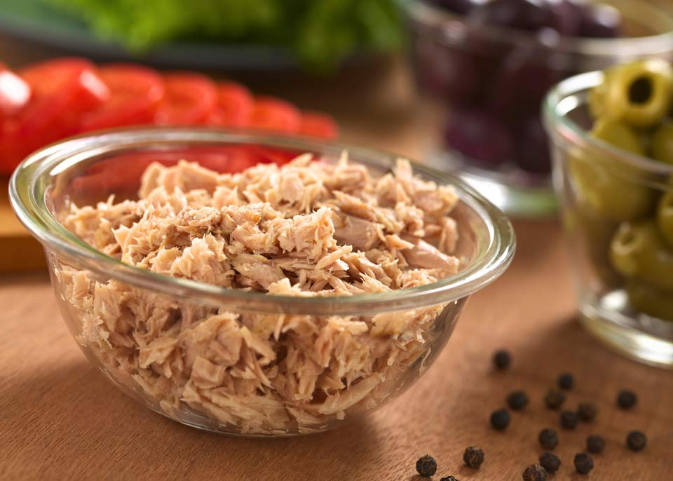 Супербыстрый салат с тунцом – 2 минуты и готово