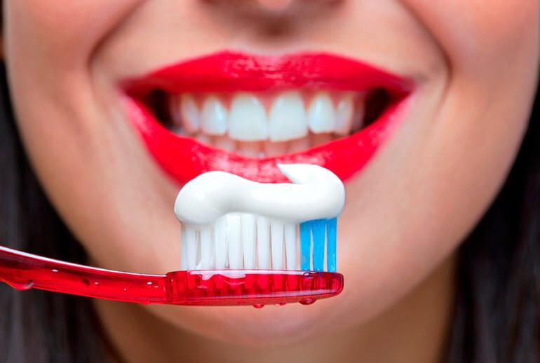 чистить зубы и худеть