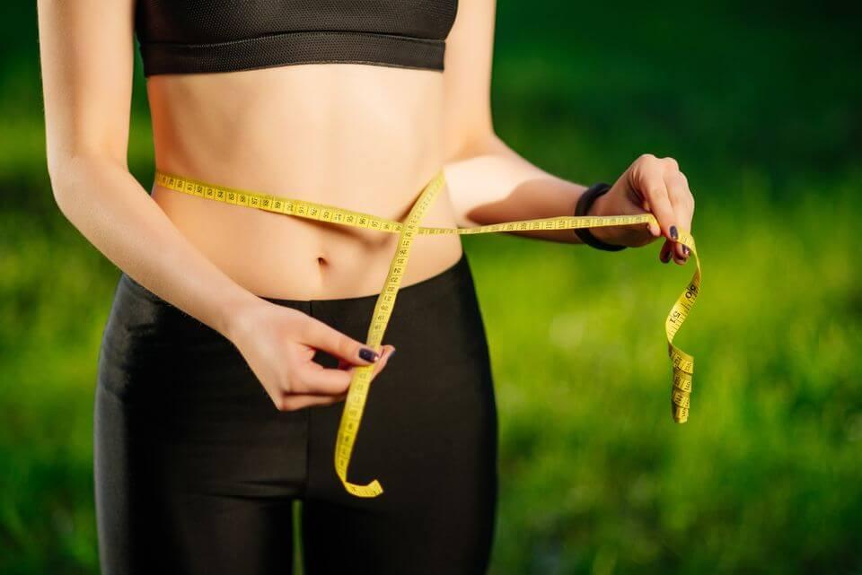 7 способов убрать живот без спортзала и диет