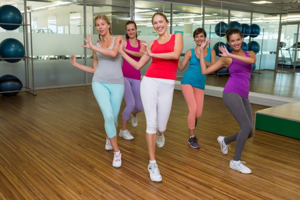 фитнес танцы зумба