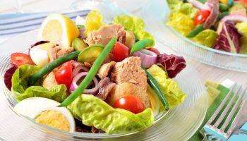 Белковый салат для сушки за 5 минут: всего 77 ккал