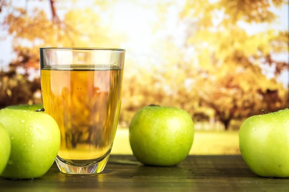 Что полезнее: фрукты или соки