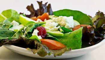 5 лучших весенних салатов из свежих овощей