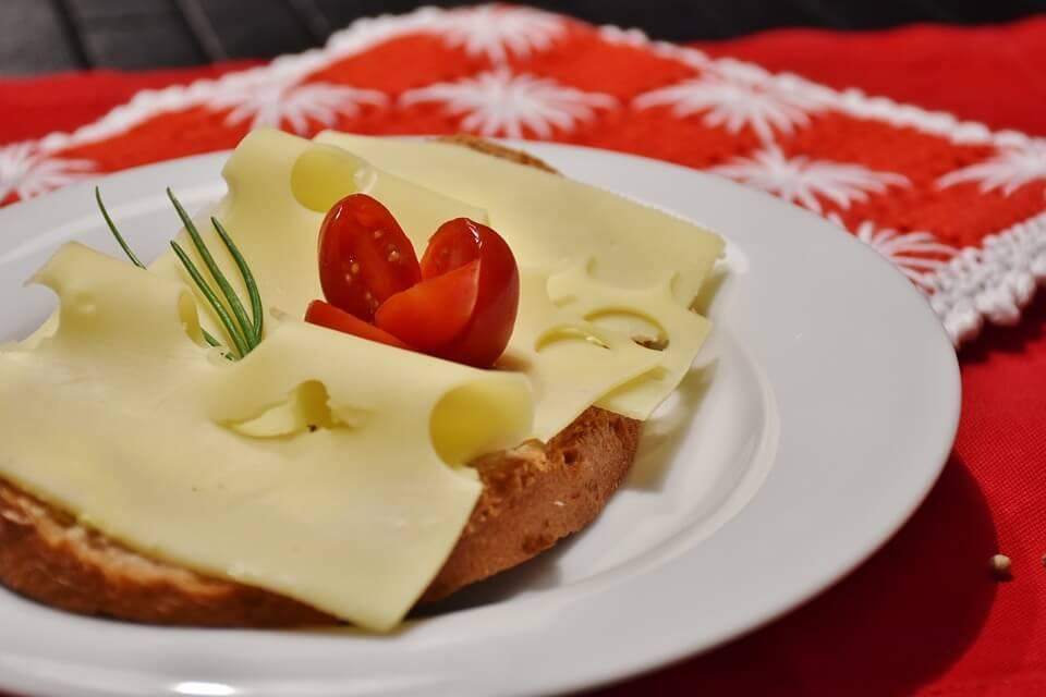 калорий в плавленом сыре