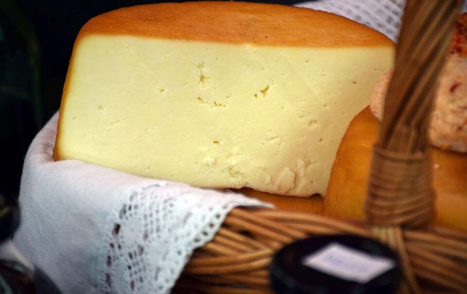 Калорийность сыра. Все производители: ккал, БЖУ