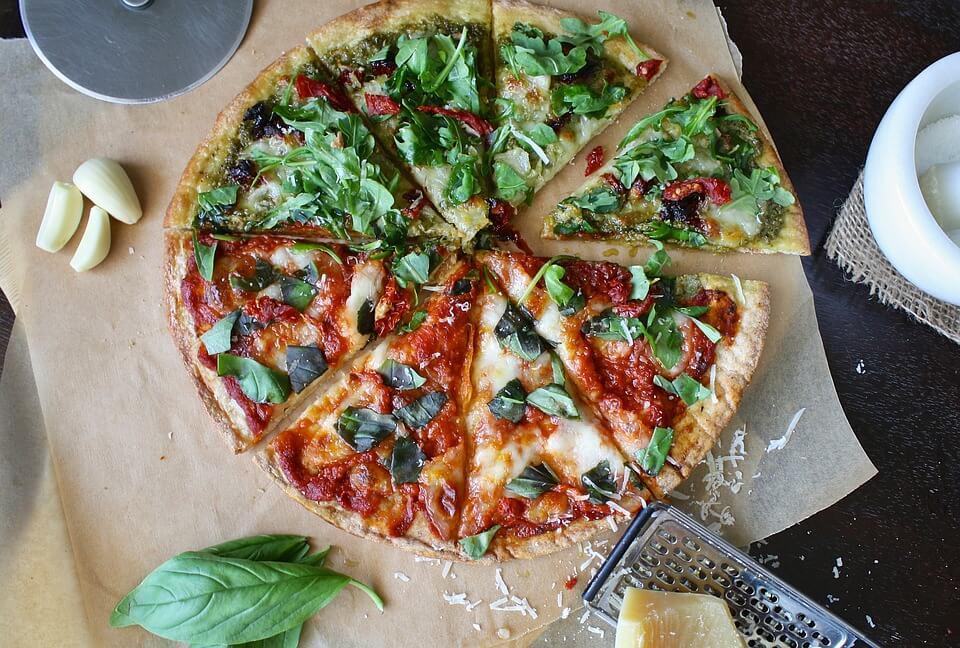 Пицца: калорийность на 100