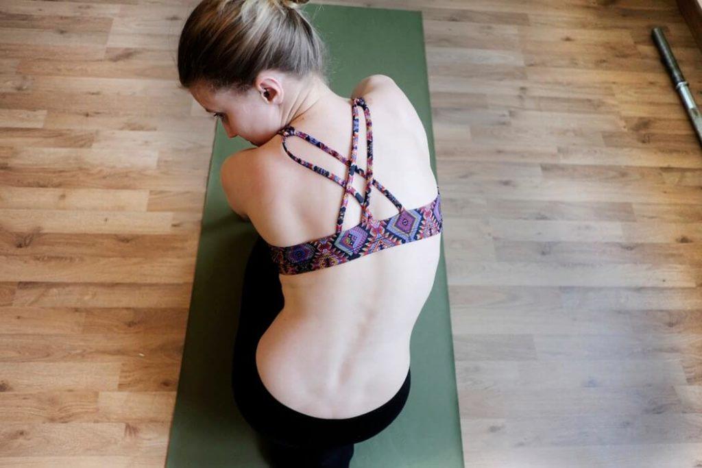 йога и пилатес упражнени