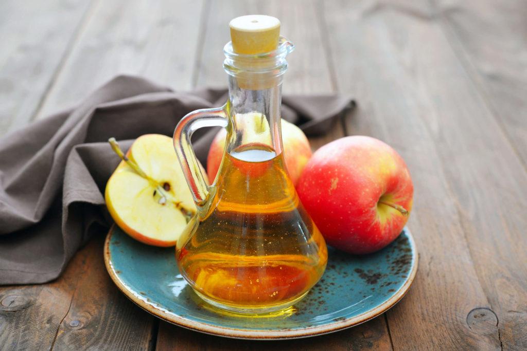 яблочный уксус с медом и водой