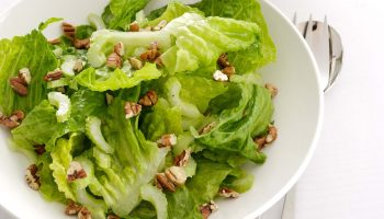 Освежающий салат для похудения с сельдереем— заставит вес таять!