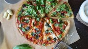 Необычная диетическая пицца из цветной капусты