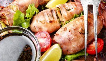 Идея для ужина: фаршированные кальмары — всего 76 ккал