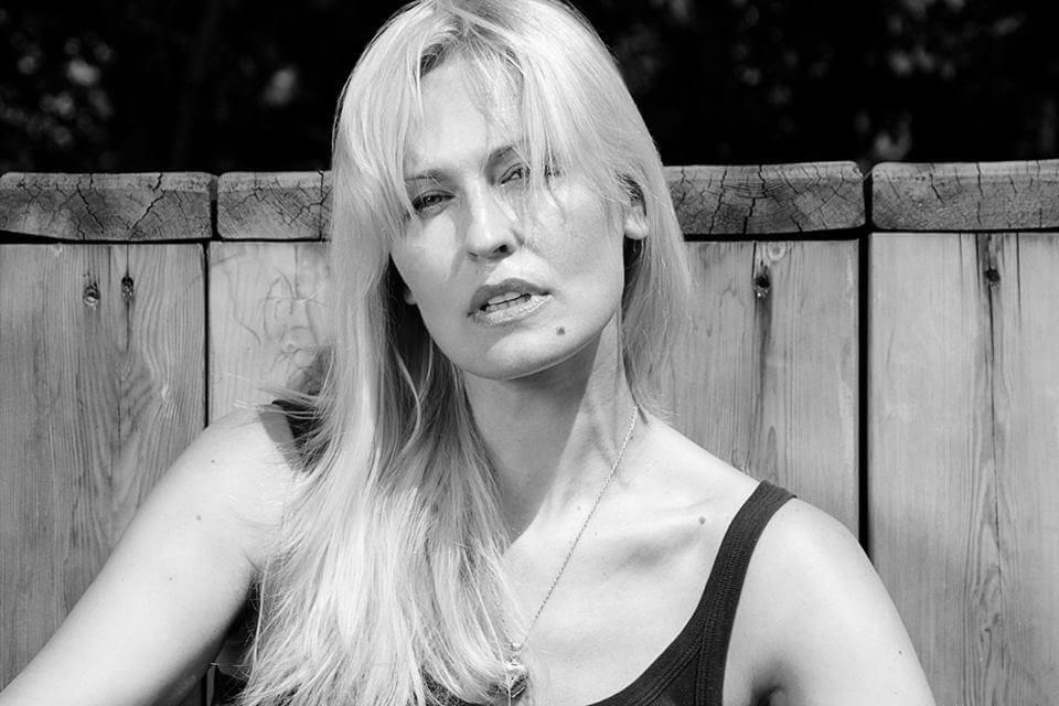 актриса ольга егорова фото в полный рост универсальный фасон