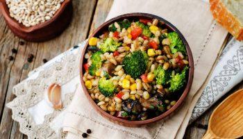 «Каша из топора» — экономные диетические рецепты на каждый день