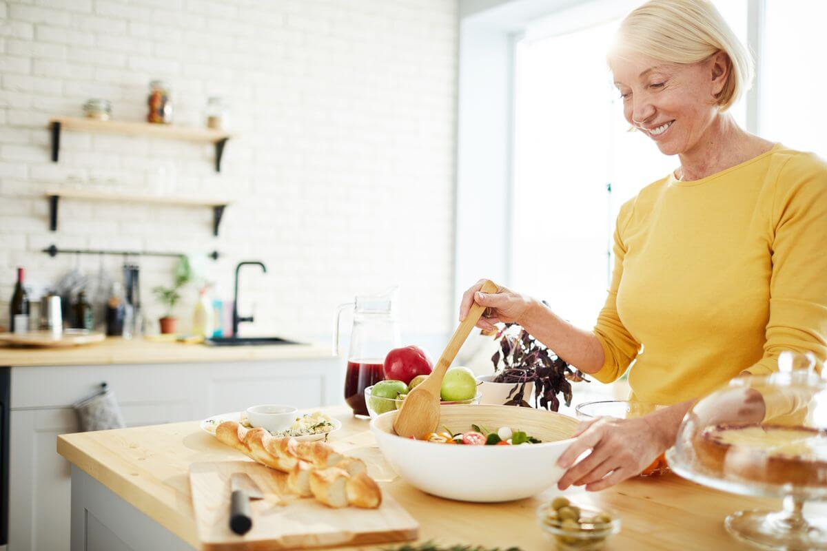 Правильный вес для женщин за 50