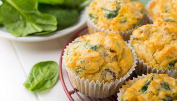 Диетические кексы с овощами и сыром