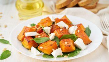 Легкий салат с тыквой — ужин с пользой для фигуры