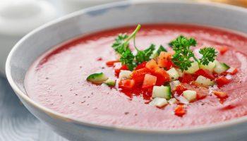 Диета «Три жиросжигающих супа»: минус 5 кг за неделю