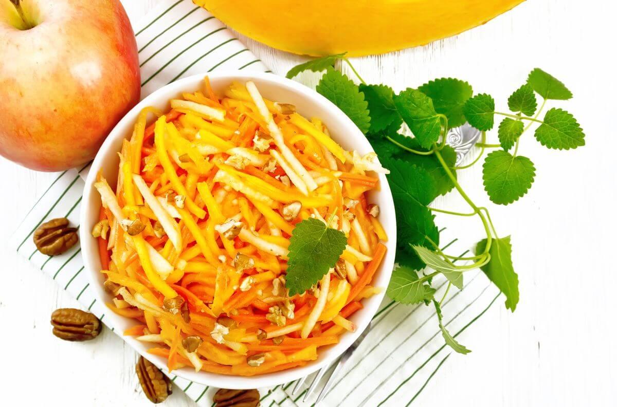 салат с яблоком и тыквой