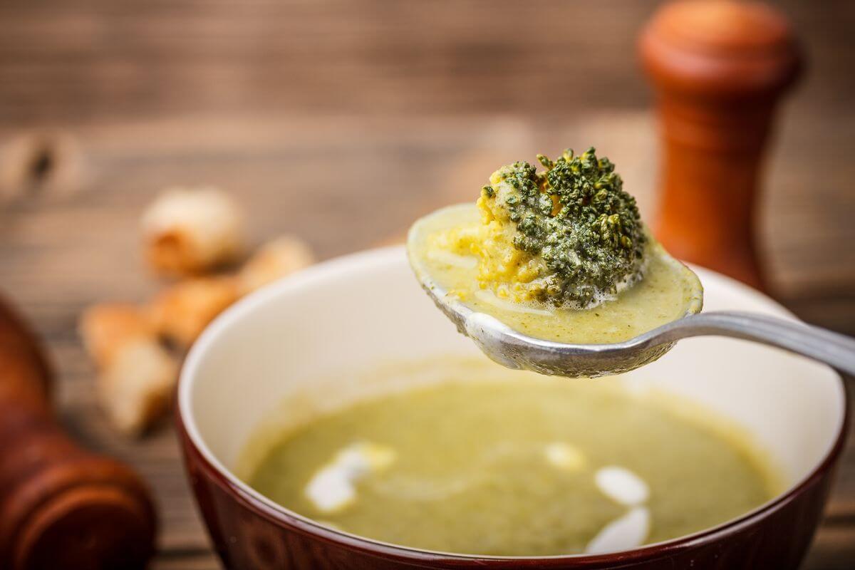 суп с брокколи и рисом